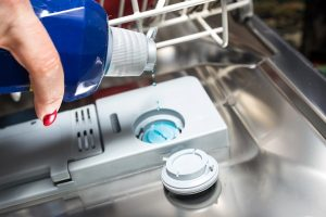 is it necessary to use rinse aid in dishwasher